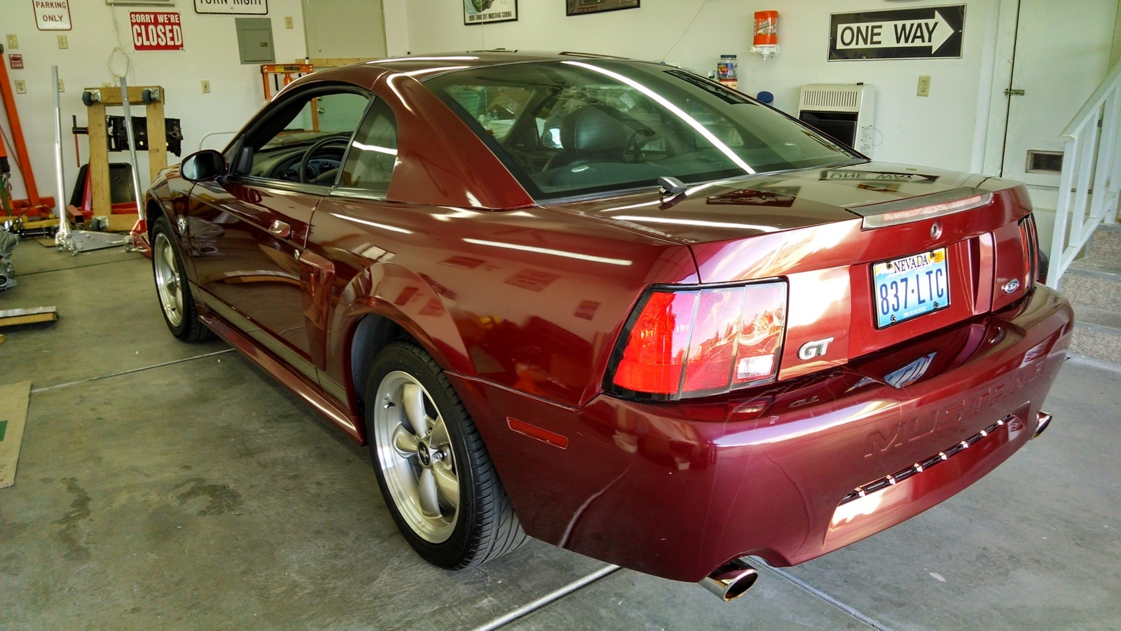 Ford Mustang Questions Is The 35th Anniversary Worth More Than 2002 Mach Sound System Just 1999 Gt Cargurus