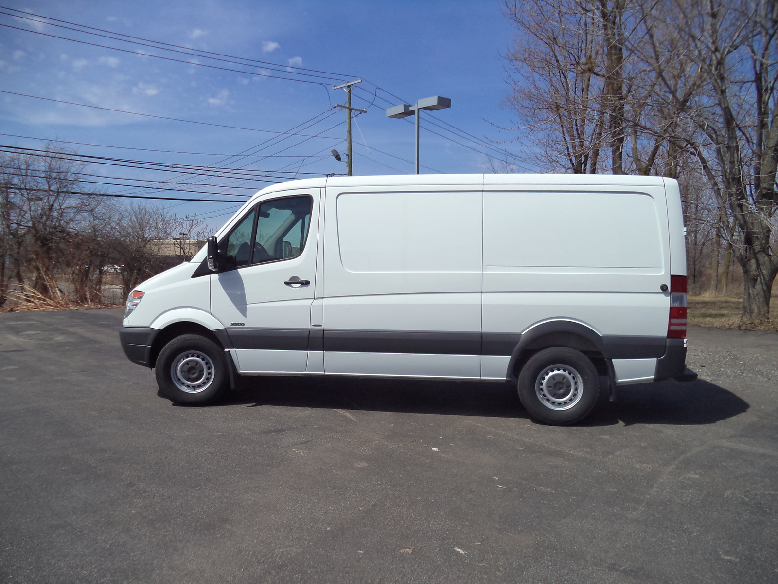 2014 mercedes benz sprinter photos and info news car html for 2014 mercedes benz sprinter cargo van