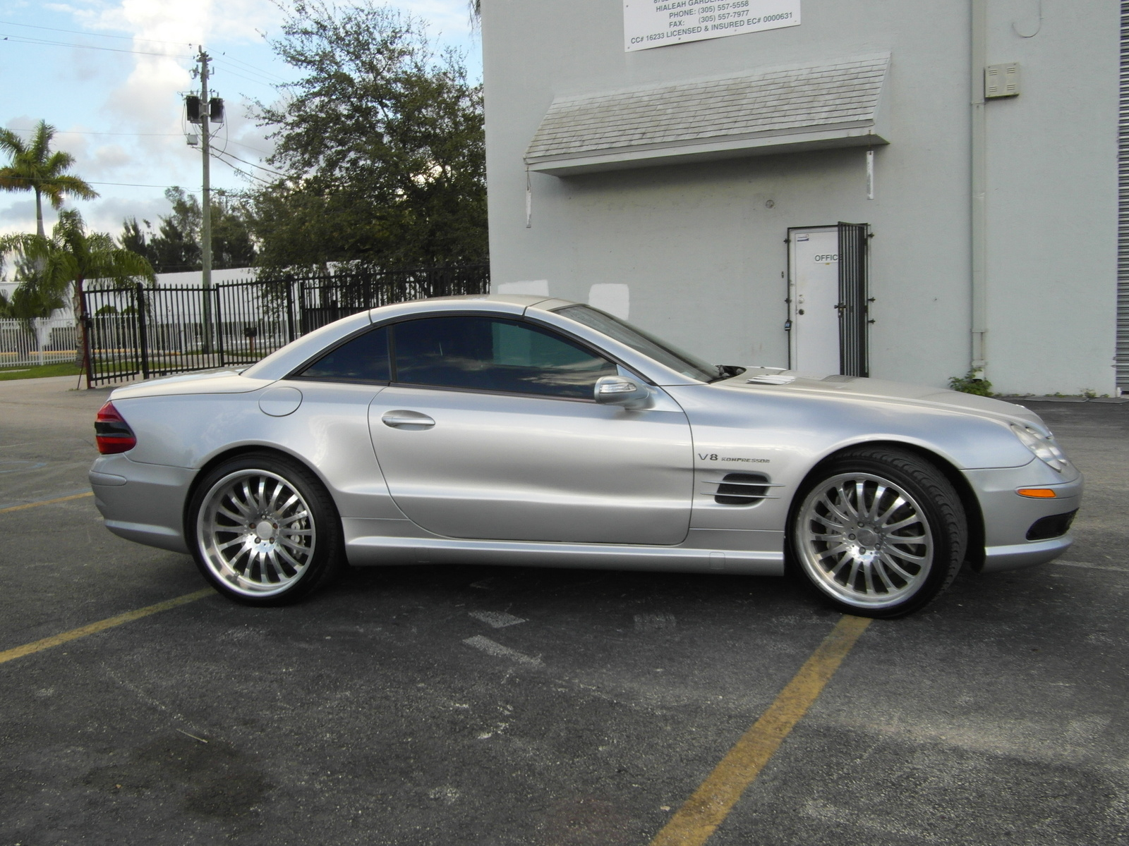 Mercedes benz sl class convertible pictures for 2006 mercedes benz sl55 amg
