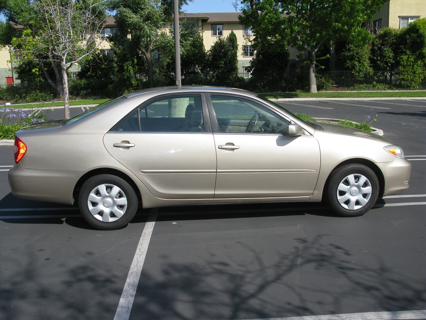 toyota camry 2008 how much 2008 toyota camry le baigent. Black Bedroom Furniture Sets. Home Design Ideas