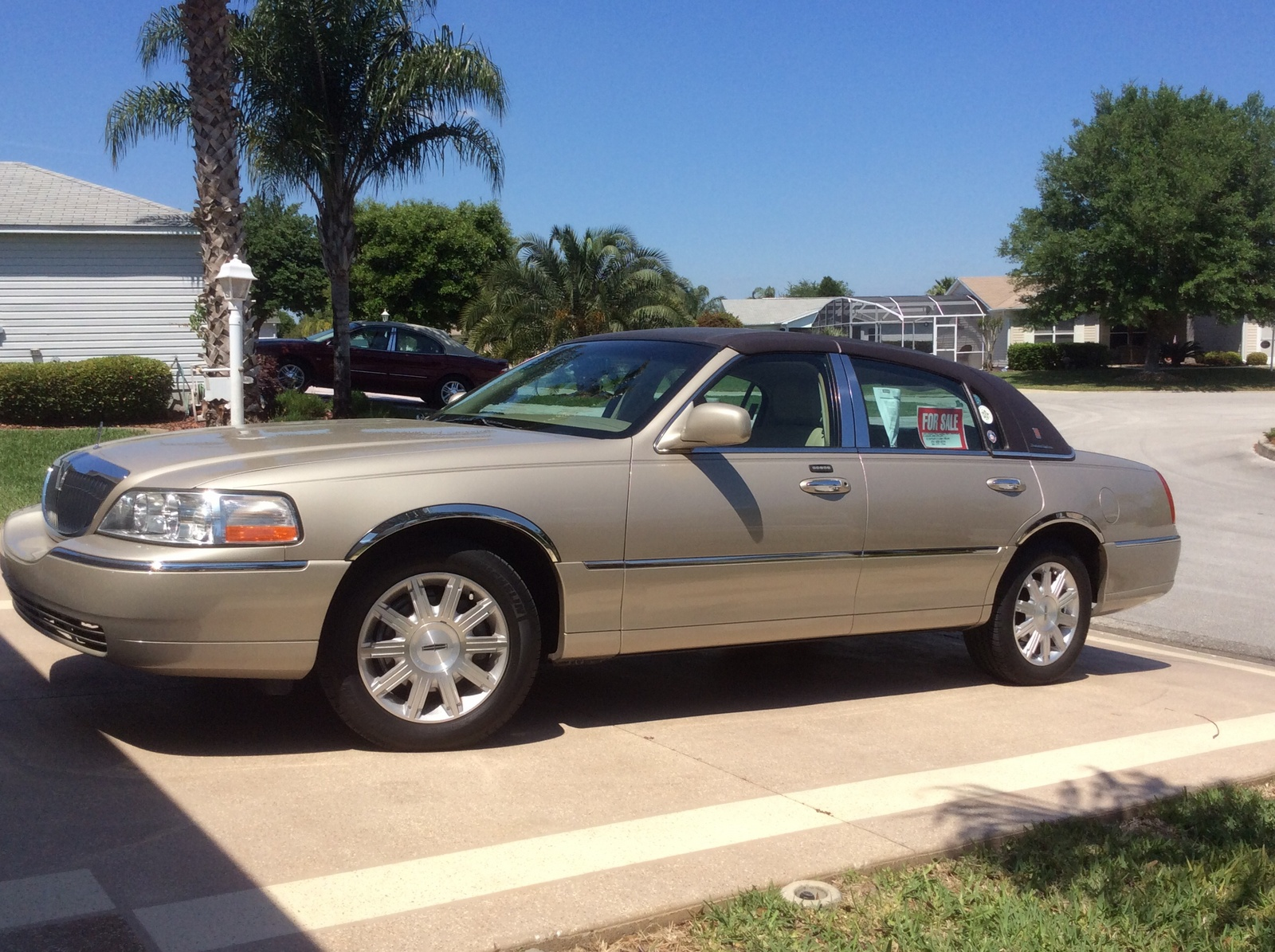 2008 Lincoln Town Car Pictures Cargurus