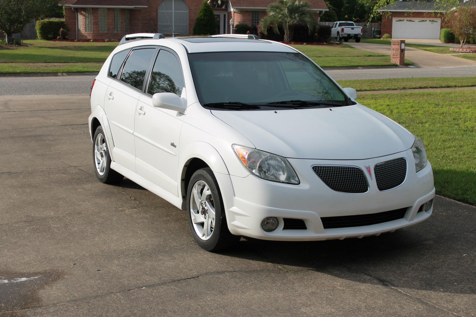 2006 pontiac vibe exterior pictures cargurus. Black Bedroom Furniture Sets. Home Design Ideas