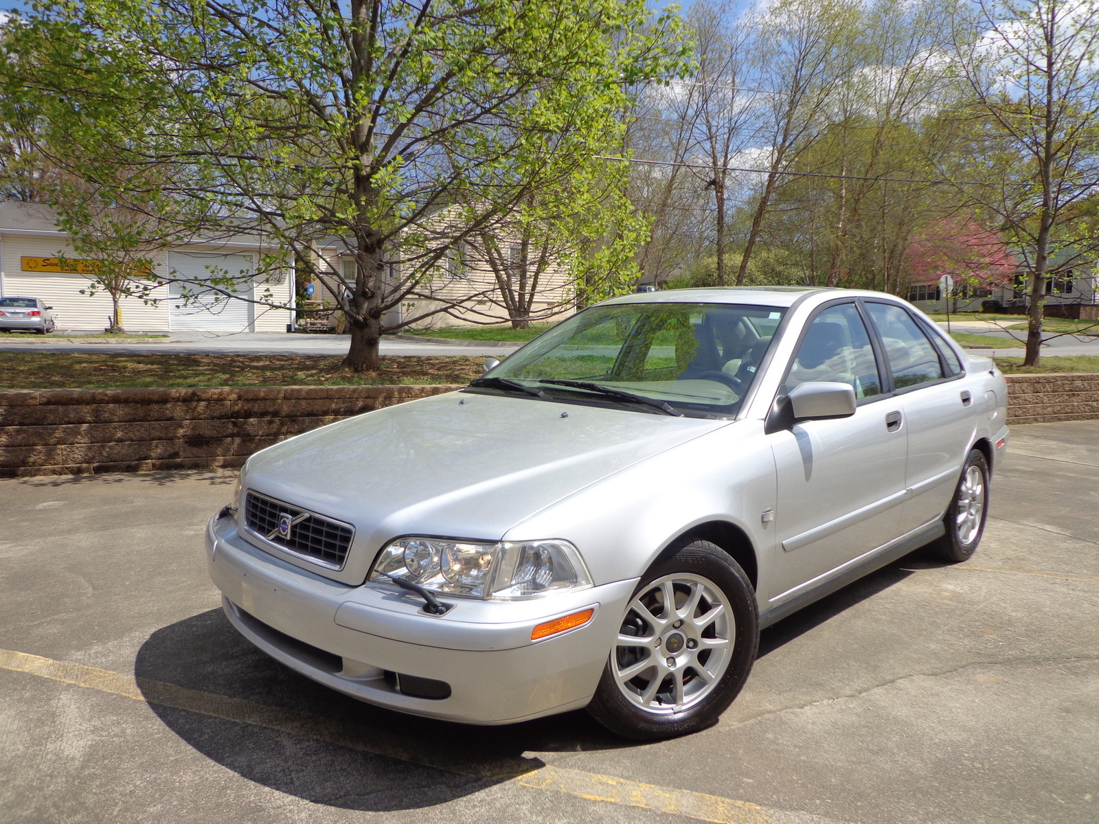Picture of 2004 volvo s40 1 9t exterior