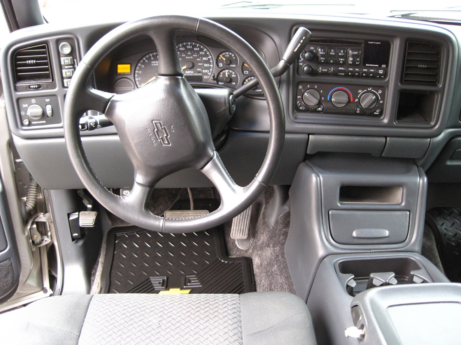 2002 Chevrolet Avalanche - Pictures