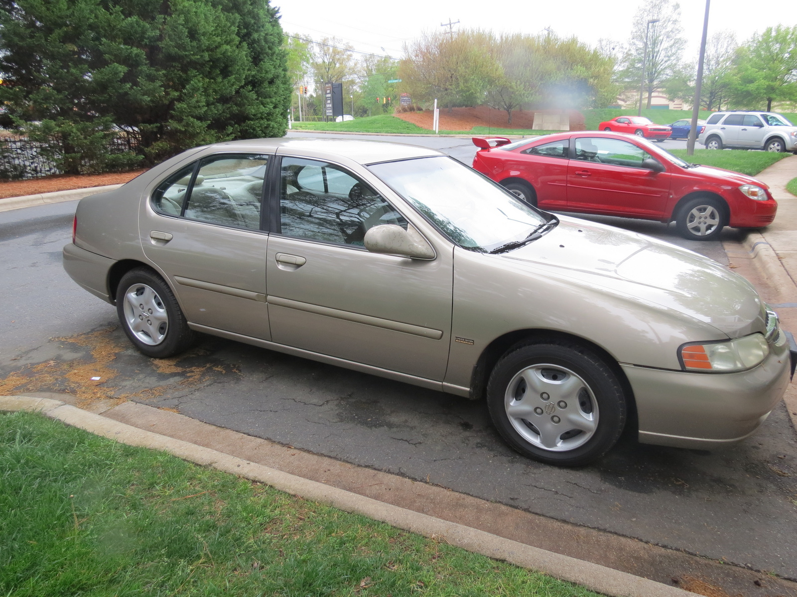 2001 nissan altima overview cargurus for Nissan altima 2001 motor