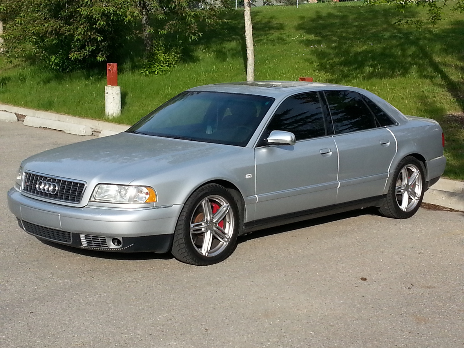 2002 Audi S8 4 Dr quattro AWD Sedan picture