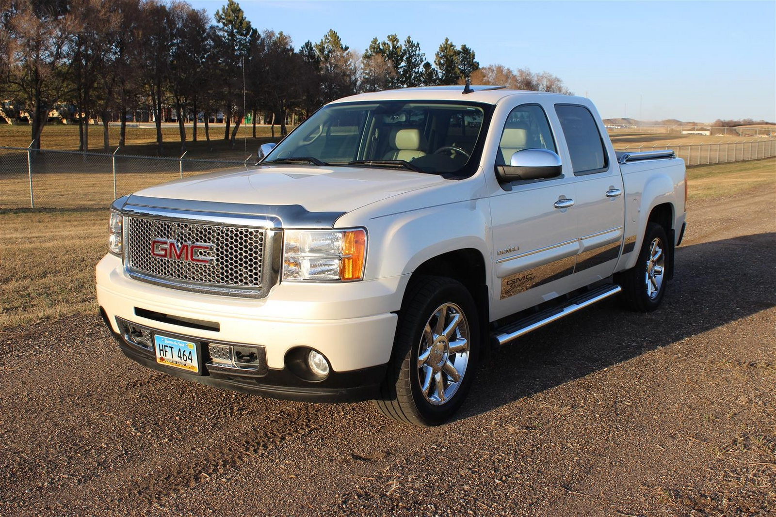 2011 gmc sierra 1500 review and prices iguida user autos post. Black Bedroom Furniture Sets. Home Design Ideas