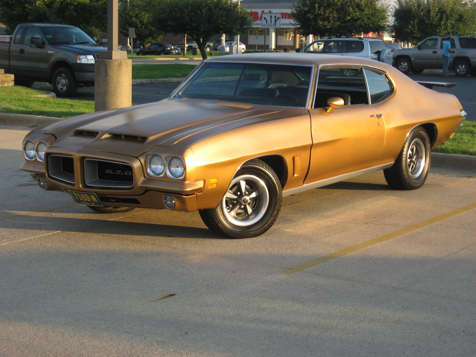 pontiac le mans questions were all 72 endura gto 39 s and lemans hood scoops functional ram air. Black Bedroom Furniture Sets. Home Design Ideas