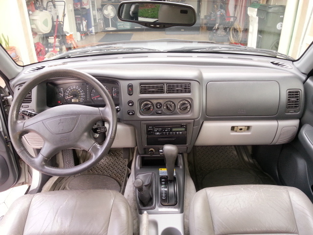 Picture Of 2000 Mitsubishi Montero Sport XLS 4WD, Interior, Gallery_worthy