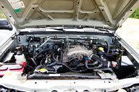 Picture of 2003 Nissan Xterra SE, engine