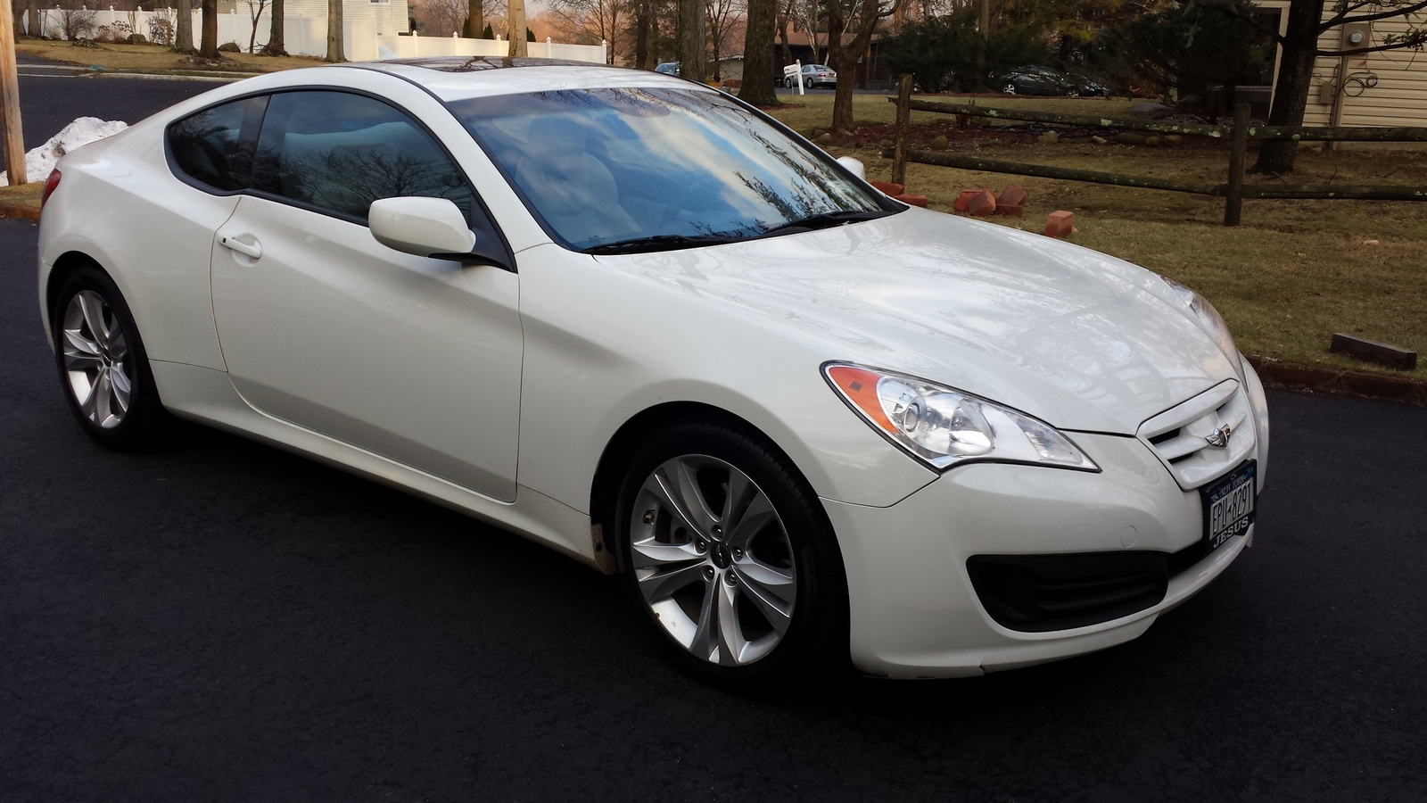 picture of 2010 hyundai genesis coupe 2 0t track exterior. Black Bedroom Furniture Sets. Home Design Ideas