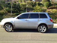 Picture of 2005 Mitsubishi Outlander LS, exterior