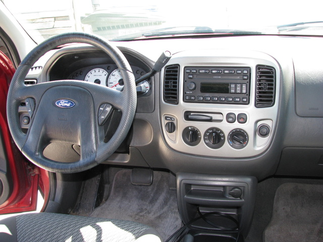 2003 ford escape interior pictures cargurus. Black Bedroom Furniture Sets. Home Design Ideas