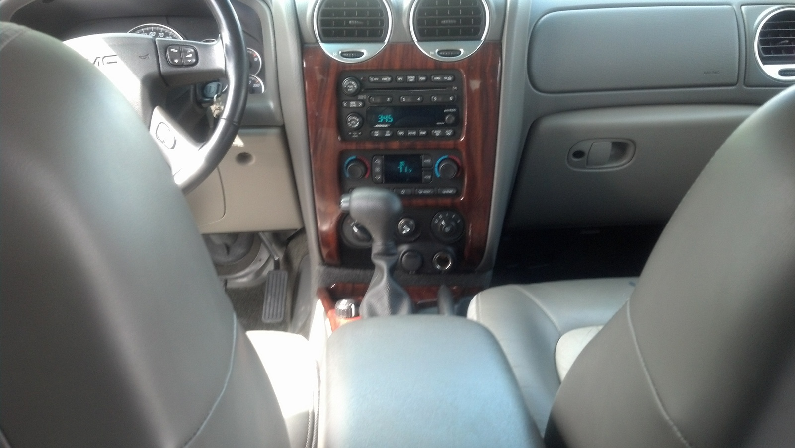 2014 gmc envoy features review release date price and specs. Black Bedroom Furniture Sets. Home Design Ideas