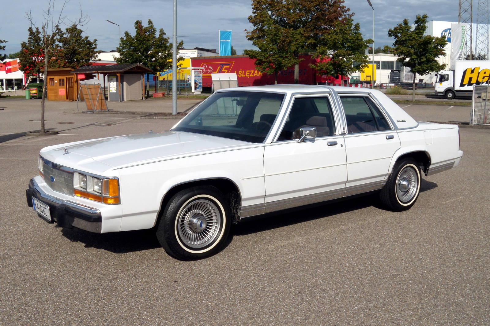 1990 ford ltd crown victoria - pictures