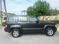 Picture of 2010 Jeep Liberty Sport, exterior