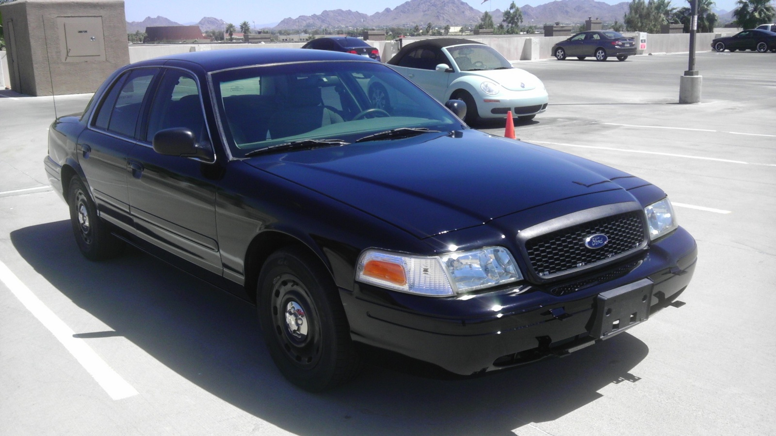 2005 Ford Crown Victoria Pictures Cargurus