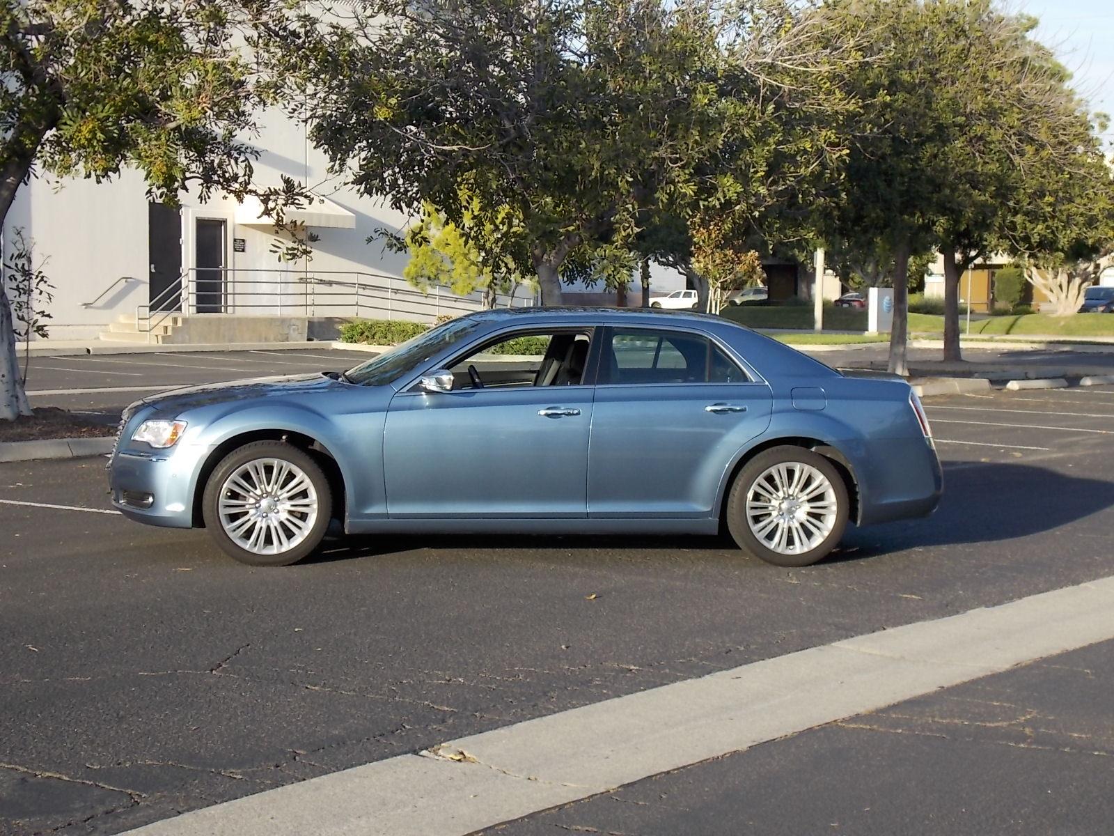 2011 Chrysler 300 Pictures Cargurus