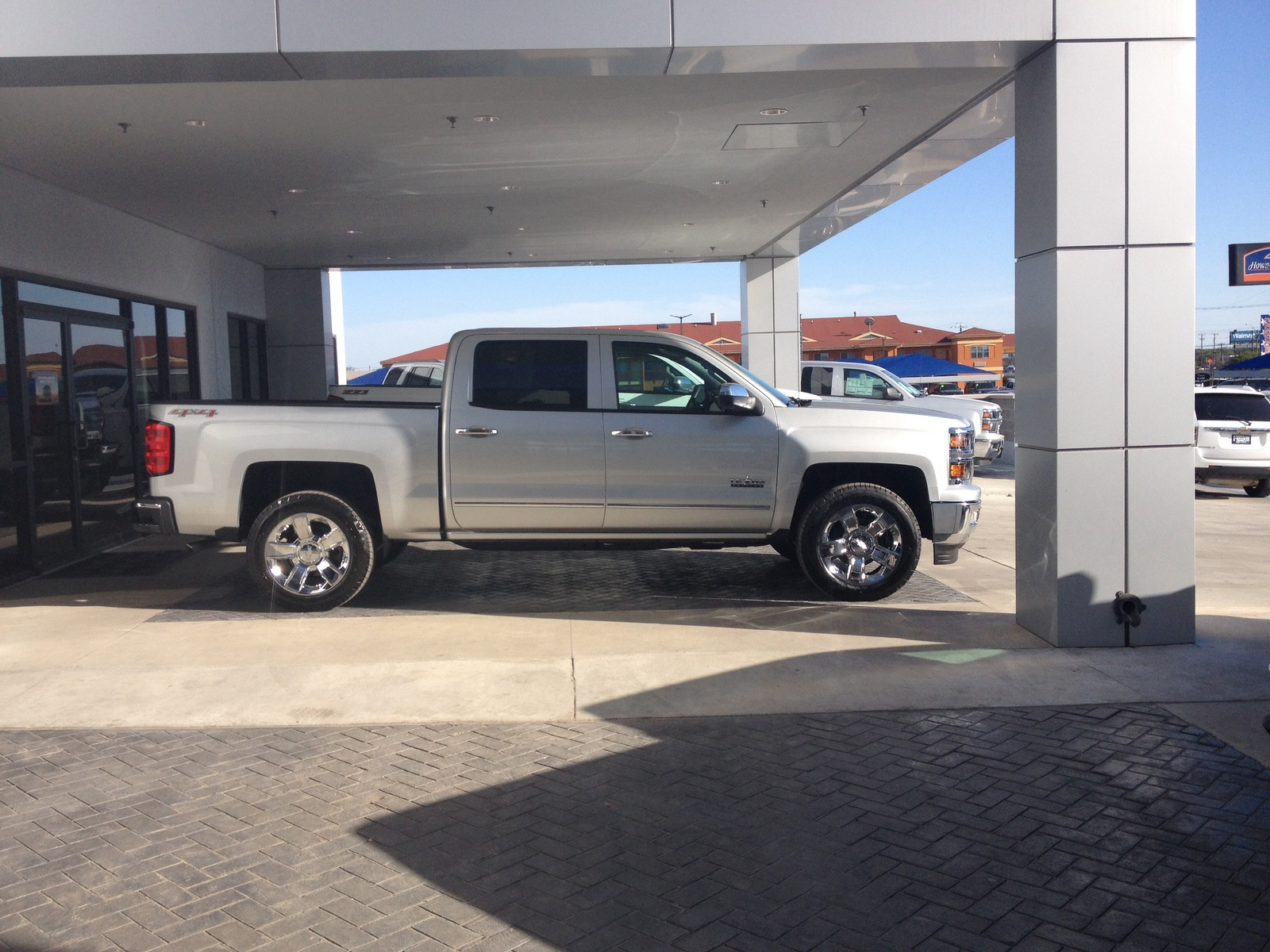 Silverado with leveling kit truck leveling wallpaper leveling kit