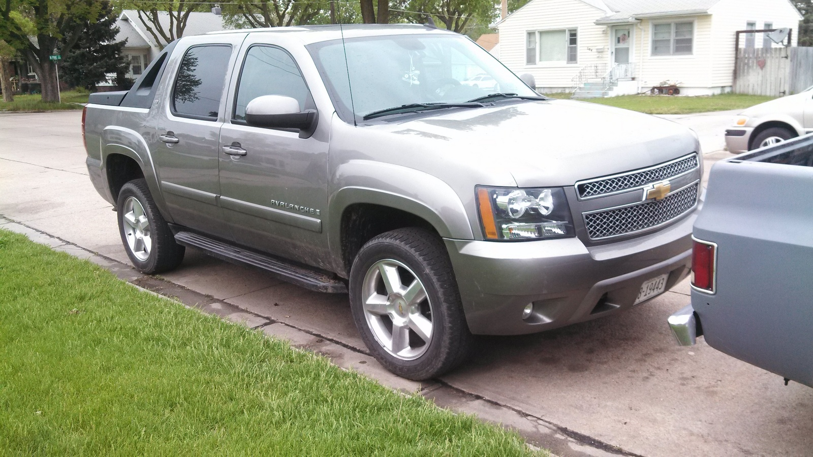 2008 chevrolet avalanche exterior pictures cargurus. Black Bedroom Furniture Sets. Home Design Ideas