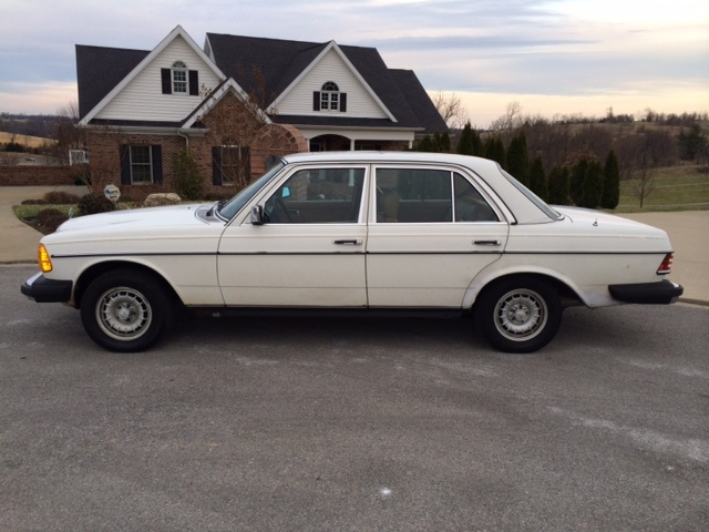 1986 91 mercedes 420 series with 1982 Mercedes Benz 300 Class Pictures C23765 Pi36751274 on 1990 Mercedes Benz 190 Class 4 Dr 190e 2 also Esqmerc001 besides Vehicle 1079032 Mercedes Benz 420 SEL W126 1986 as well Mercedes Wiper Motor besides 1991 Mercedes Benz 560 SEC photo.