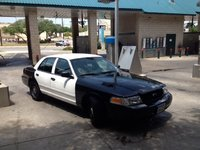 2008 Ford Crown Victoria Picture Gallery