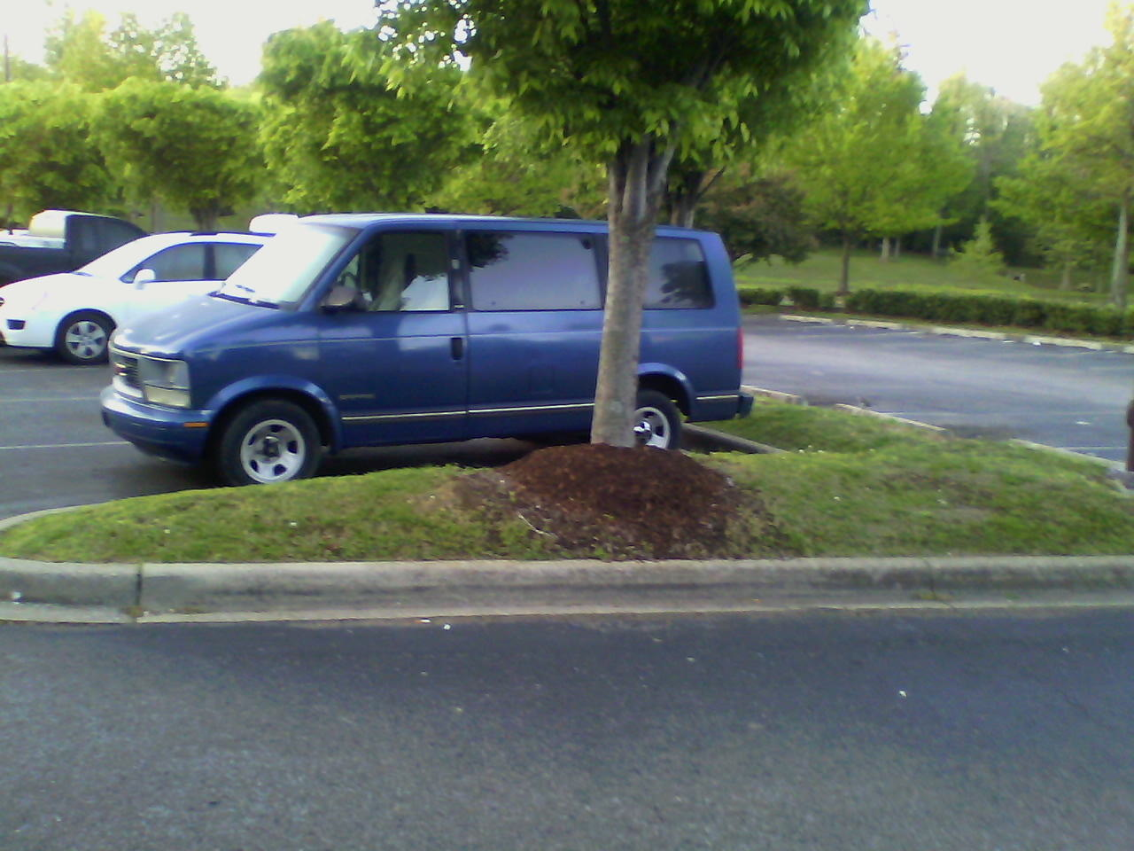Picture of 1997 GMC Safari 3 Dr SLX Passenger Van Extended