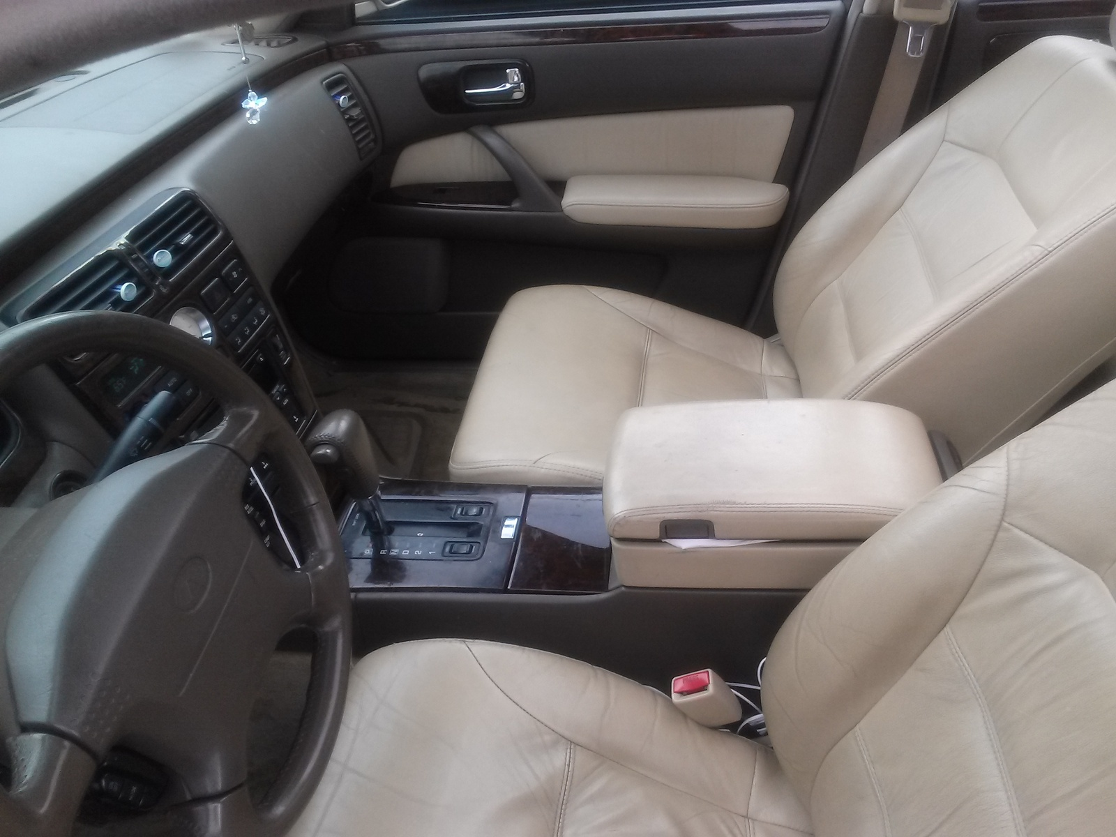 Picture of 1999 infiniti q45 4 dr std sedan interior