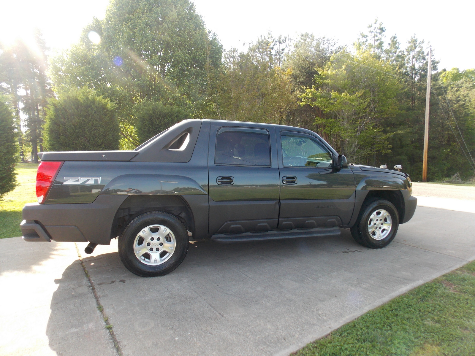 2003 chevrolet avalanche exterior pictures cargurus. Black Bedroom Furniture Sets. Home Design Ideas