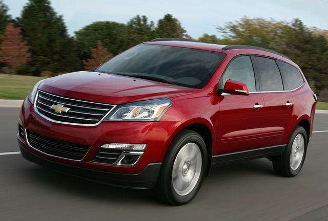 2015 Chevrolet Traverse, Front-quarter view. Copyright General Motors, exterior, manufacturer, gallery_worthy