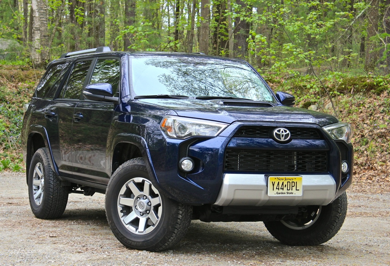 Front 3/4 of the 2014 Toyota 4Runner