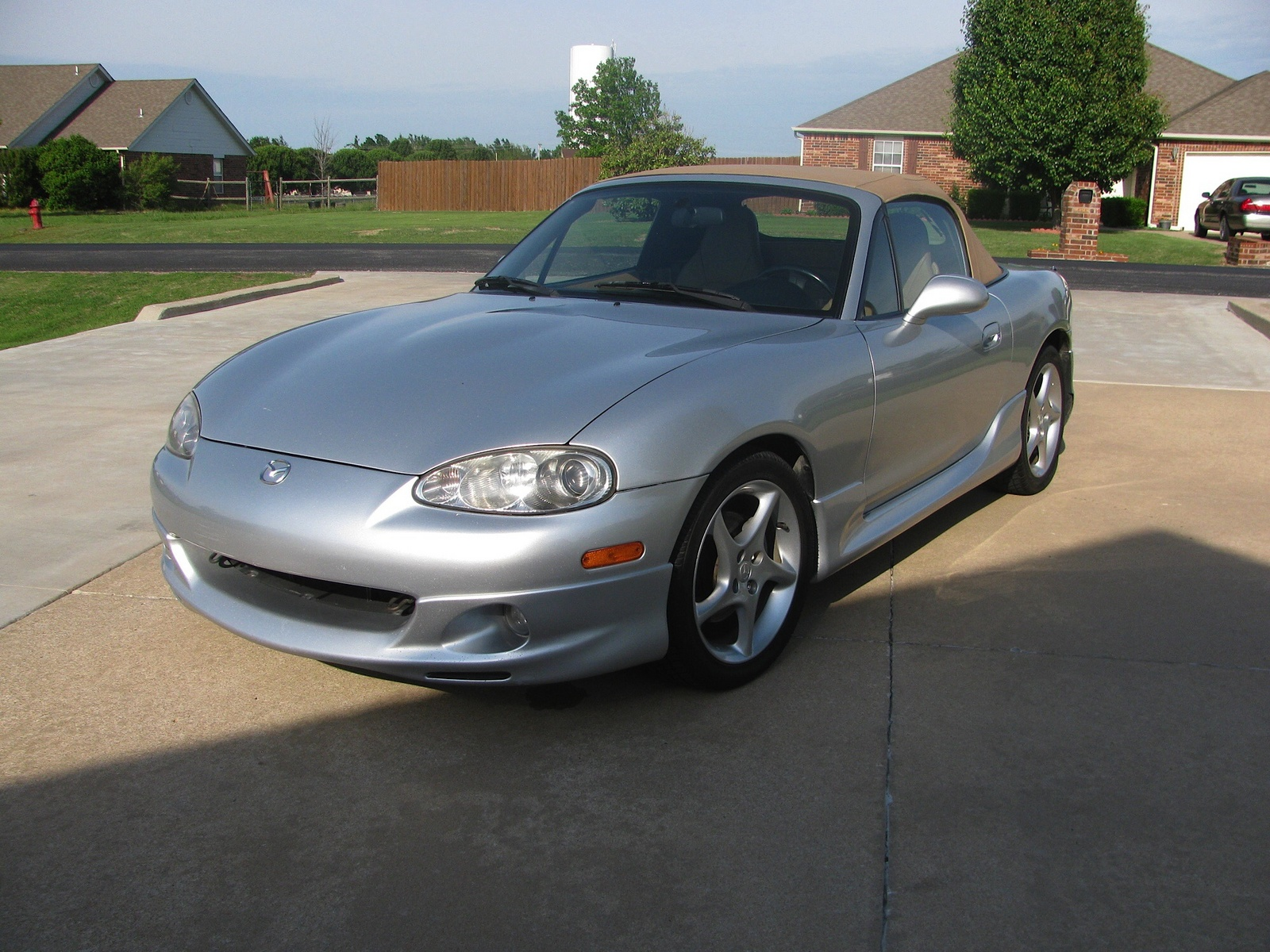 2002 mazda mx 5 miata overview cargurus. Black Bedroom Furniture Sets. Home Design Ideas