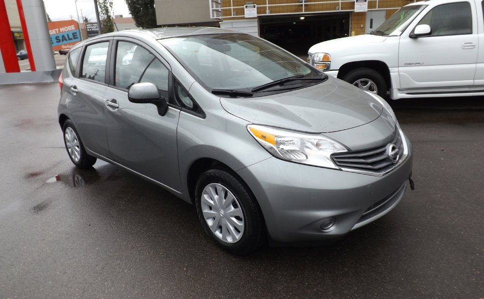 2014 nissan versa note reviews specs and autos weblog. Black Bedroom Furniture Sets. Home Design Ideas