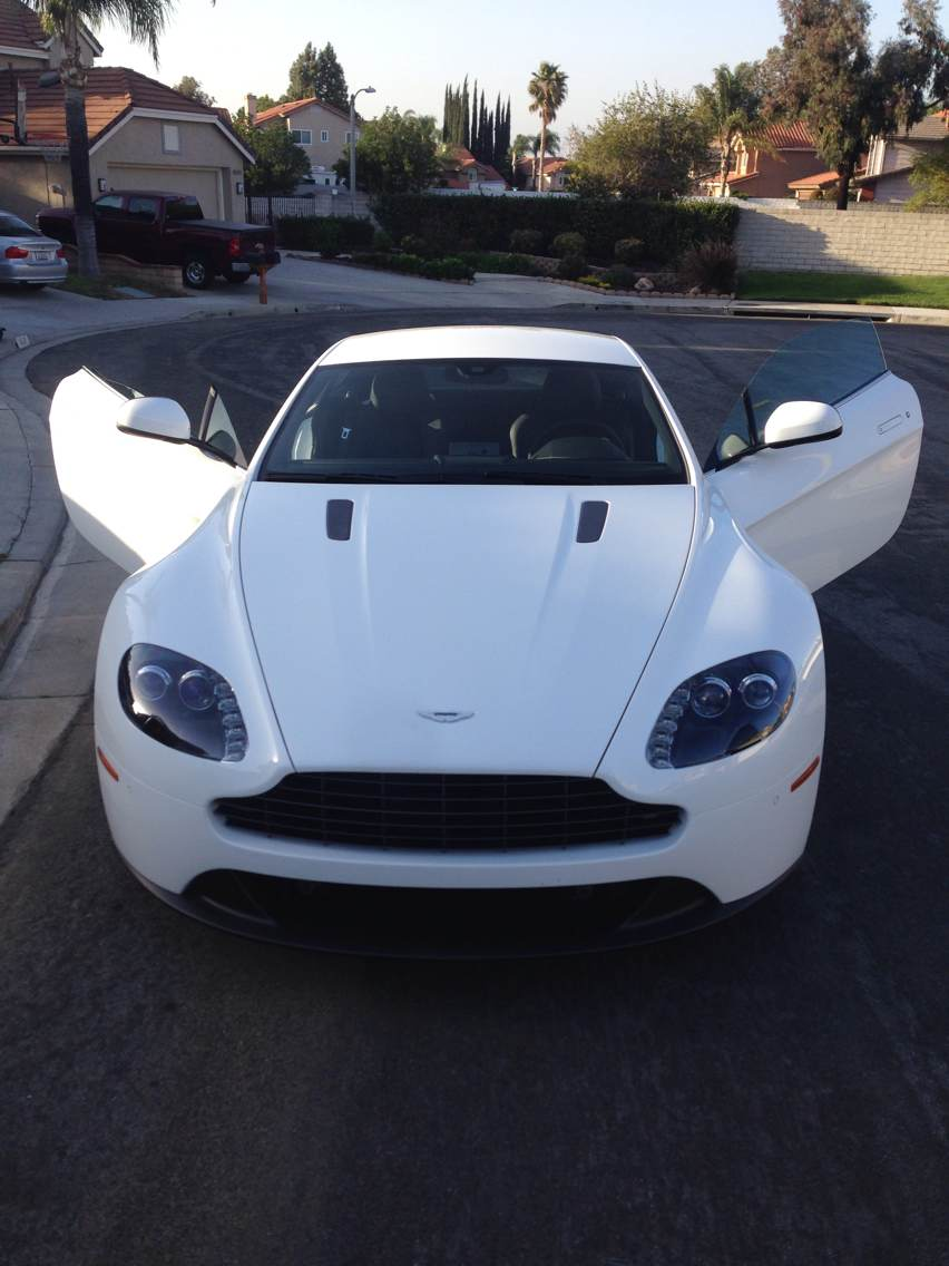 Picture of 2014 Aston Martin V8 Vantage Coupe