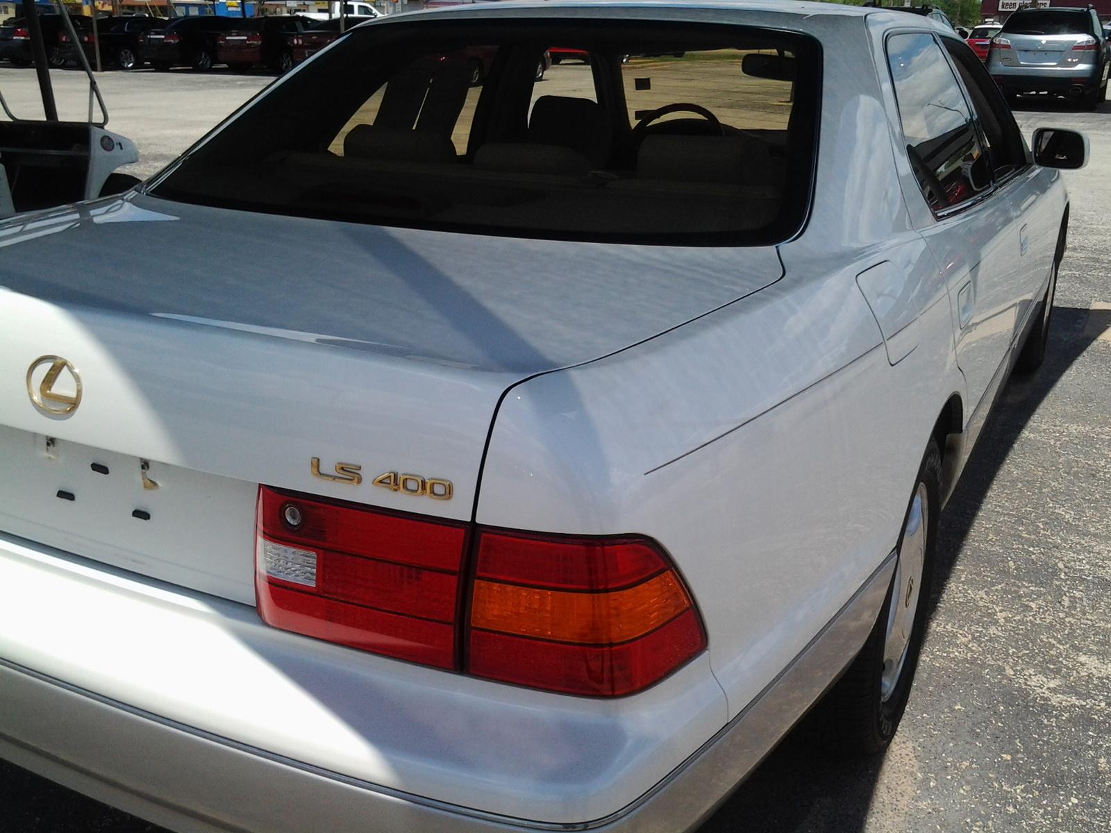 1999 Lexus LS 400 picture
