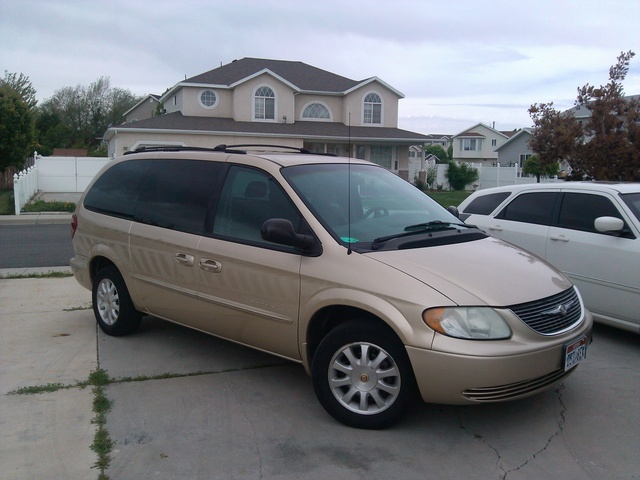 2001 chrysler town country overview cargurus. Black Bedroom Furniture Sets. Home Design Ideas