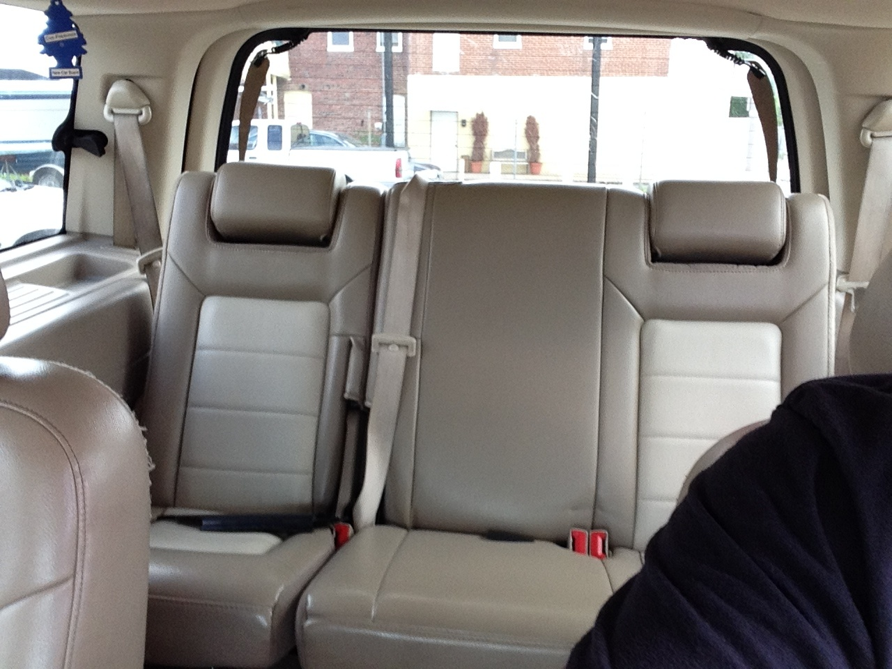 2005 Ford Expedition - Pictures
