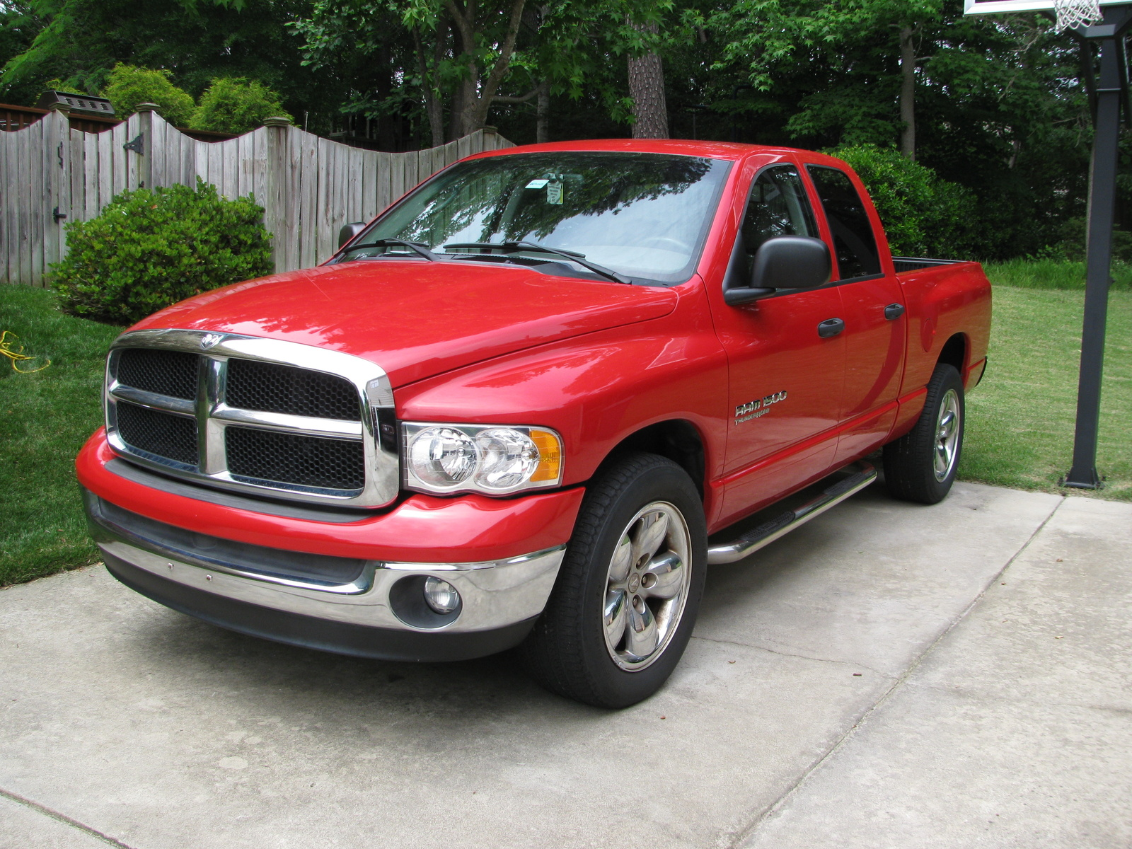 2005 dodge ram pickup 1500 overview cargurus. Black Bedroom Furniture Sets. Home Design Ideas