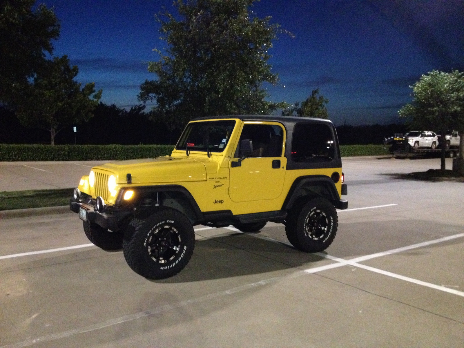 Jeep s 2000 wrangler is available in three models se sport and