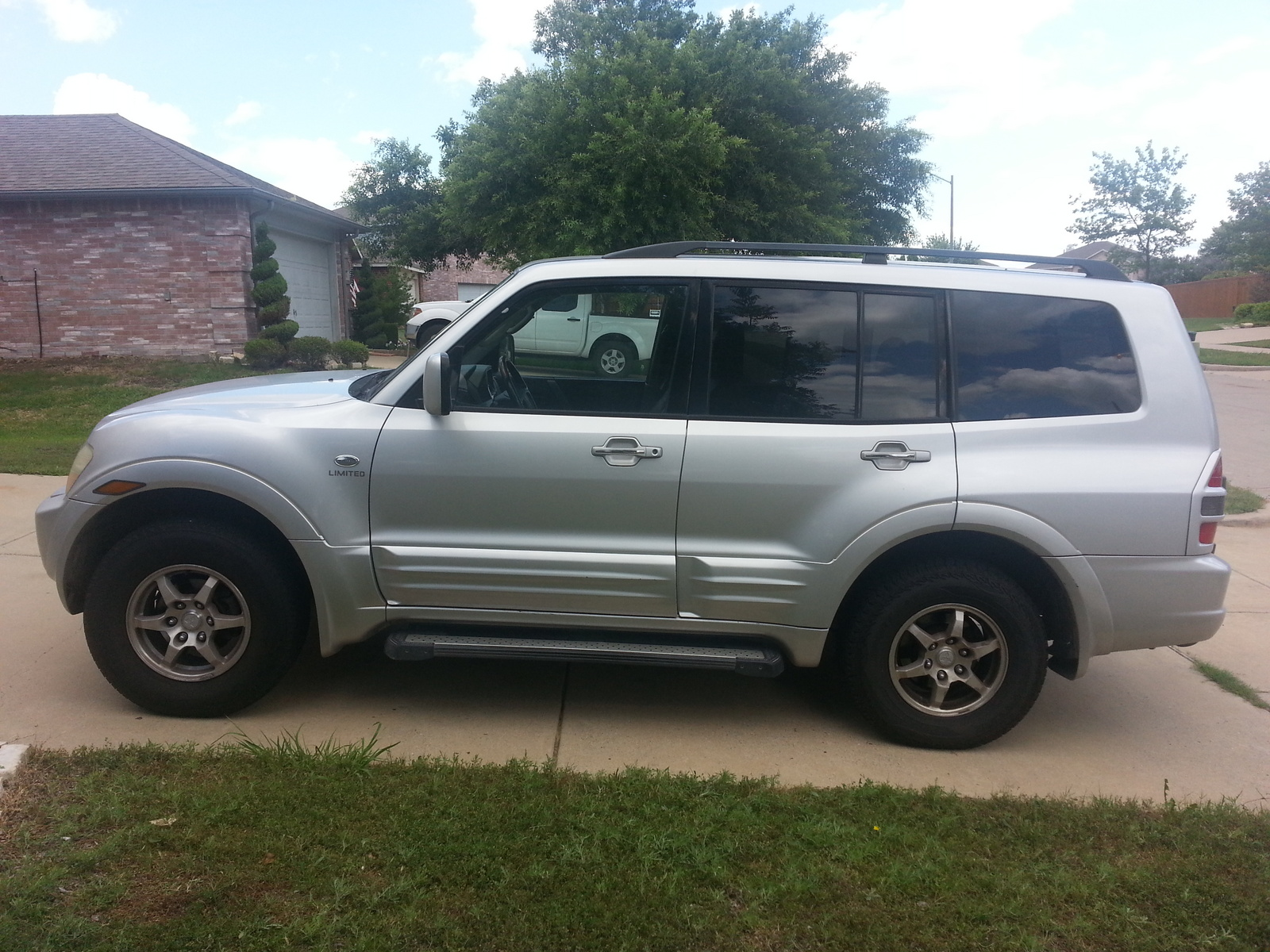 Picture of 2002 Mitsubishi Montero Limited 4WD