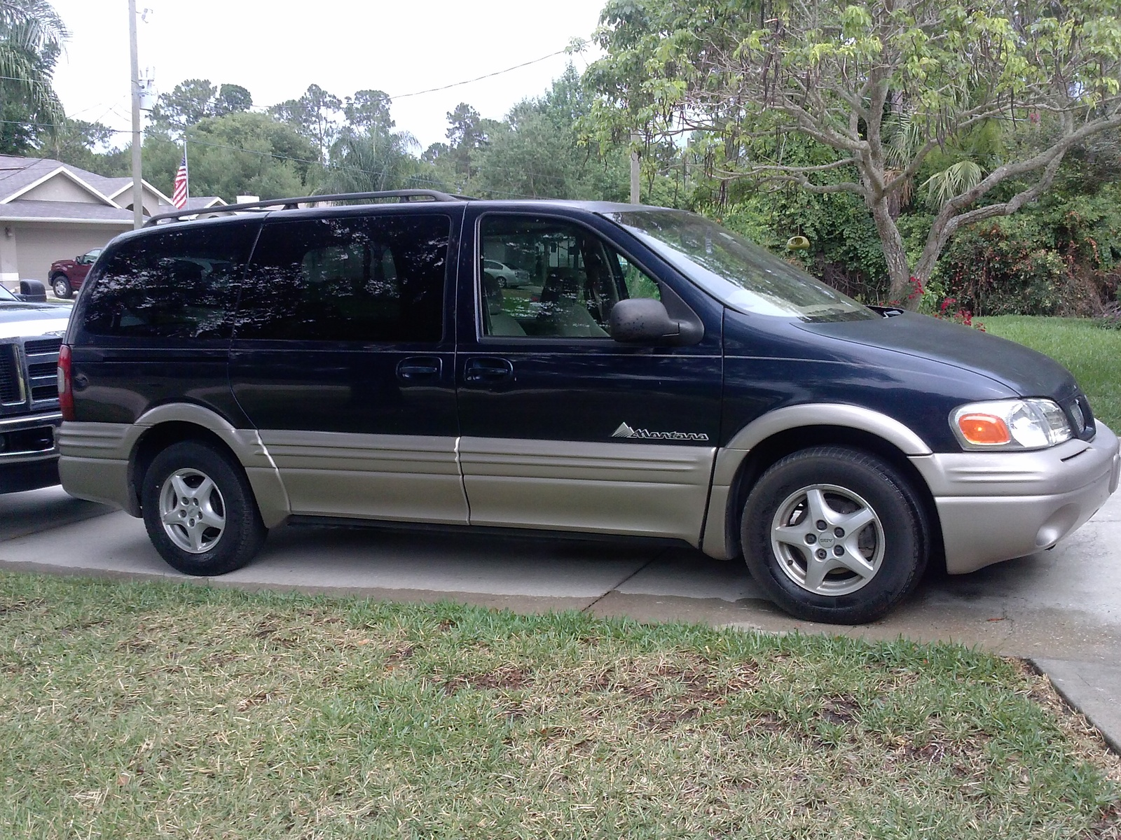 Picture of 1999 Pontiac Montana 4 Dr STD Passenger Van Extended