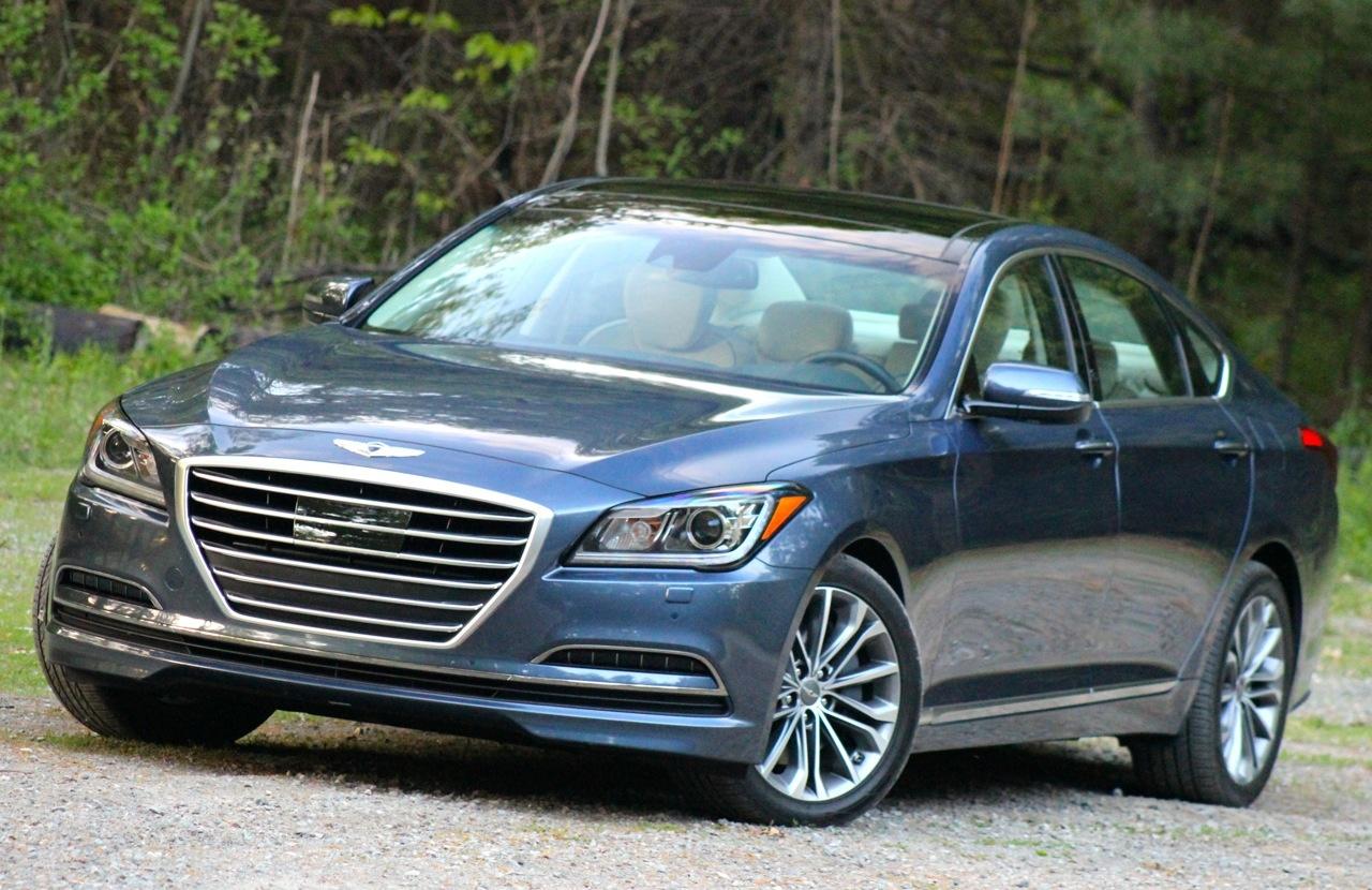 Front 3/4 of the 2015 Hyundai Genesis