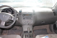 Picture of 2006 Nissan Almera, interior