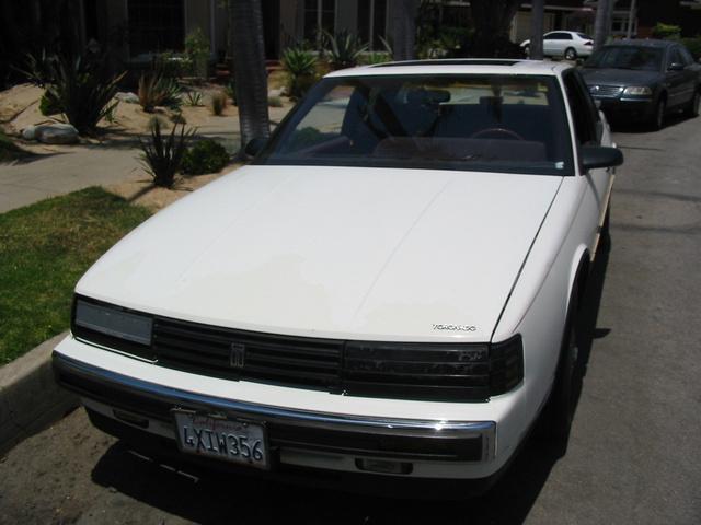 Picture of 1988 Oldsmobile Toronado