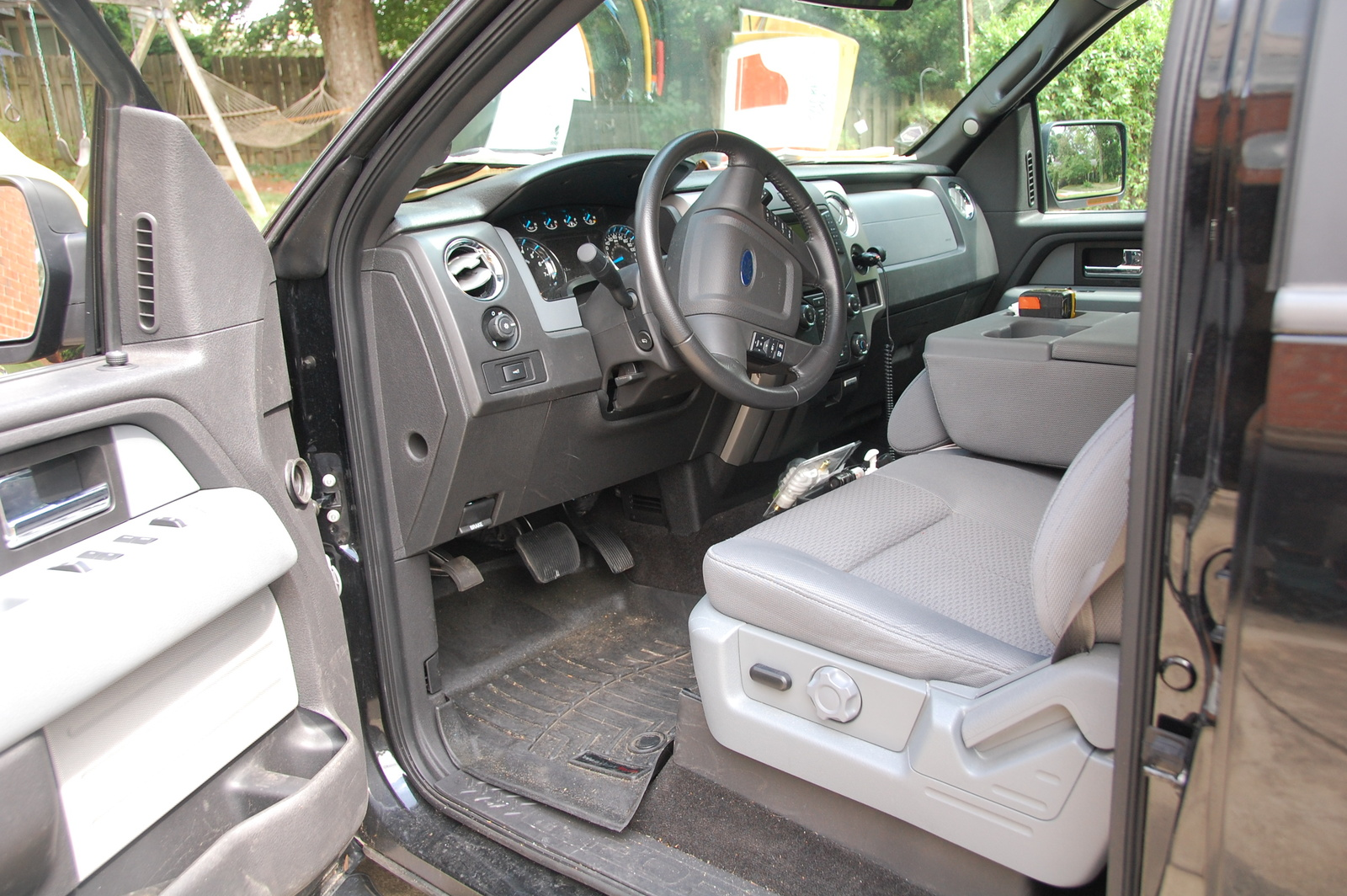 2013 ford f 150 xlt interior the image. Black Bedroom Furniture Sets. Home Design Ideas