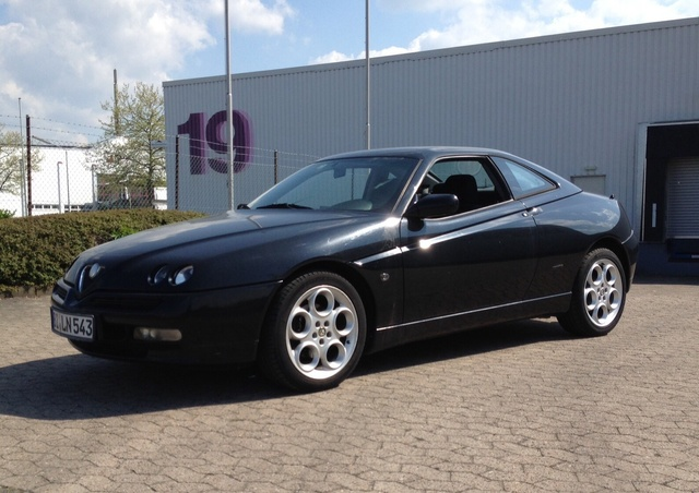Picture of 1999 Alfa Romeo GTV