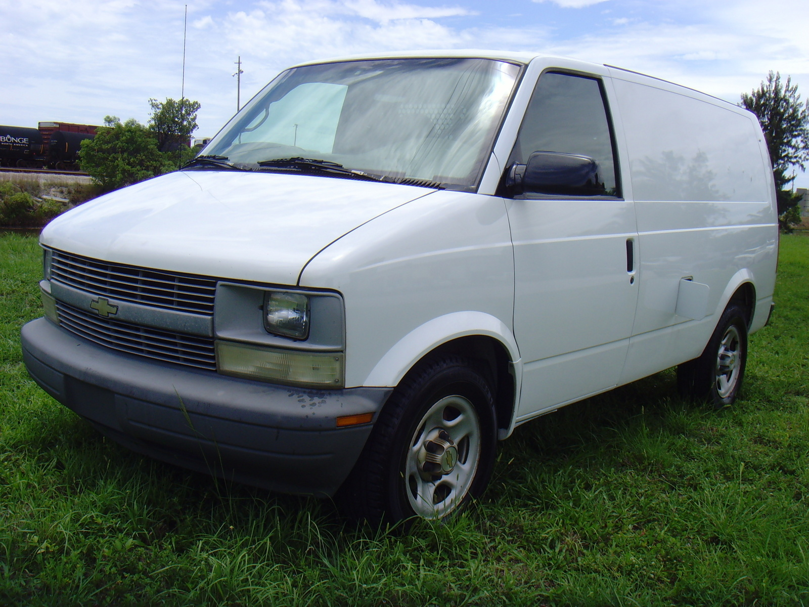 2003 chevrolet astro cargo van overview cargurus. Black Bedroom Furniture Sets. Home Design Ideas