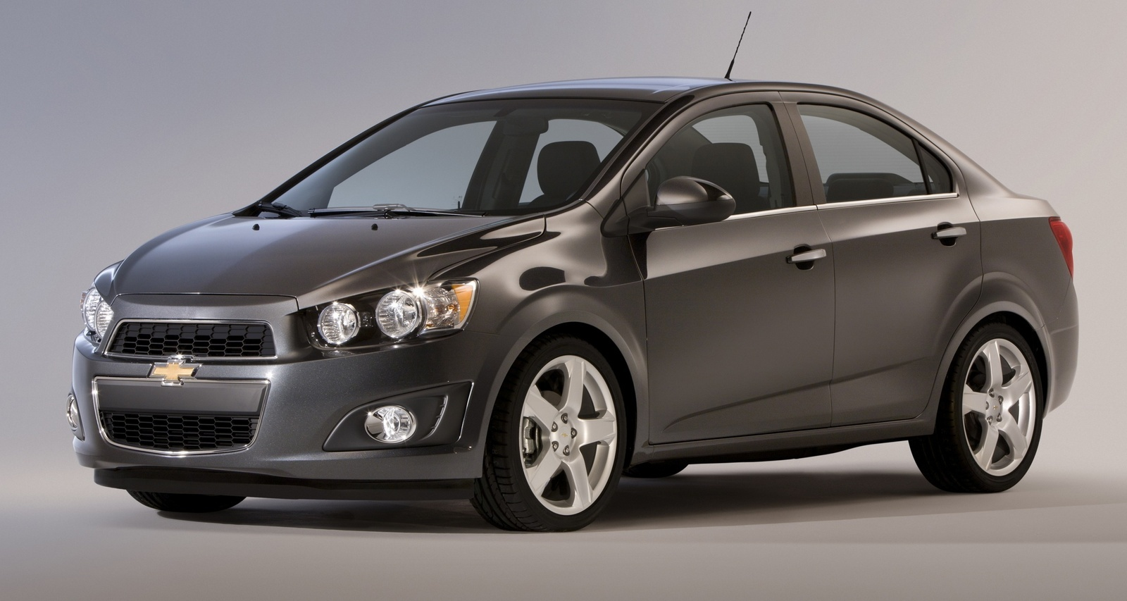Front-quarter view. Copyright General Motors