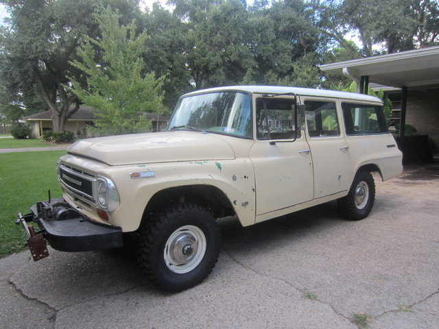 1968 International Harvester Travelall, 1968 International 1100C, exterior