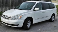 2008 Hyundai Entourage Picture Gallery